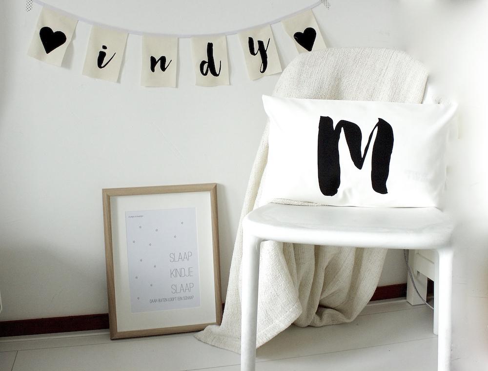 Posters Met Letter : Poster slaap kindje slaap kussenhoesje met letter naar keuze